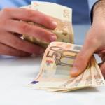 Blokuje Vám exekútor účet, na ktorý je Vám zasielaná mzda alebo iný príjem?